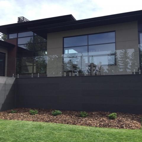 McLean Railings – glass deck railing